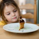 7 praktische tips om je kind aan het eten te krijgen