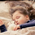Kinderen vaker gedragsproblemen bij wisselende bedtijden (onderzoek)
