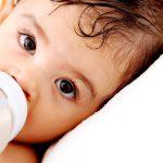 Overstappen van borstvoeding naar flesvoeding