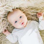 Je baby troosten of laten huilen?