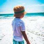 Hoe bescherm je je kind tegen de zon?