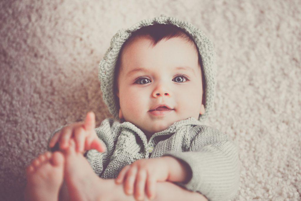 zicht van een baby gedurende 12 maanden