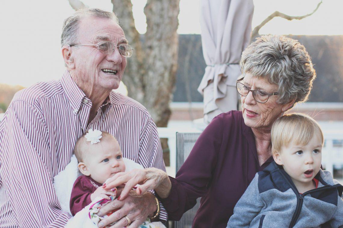 Subsidie voor oppasoma's en -opa's