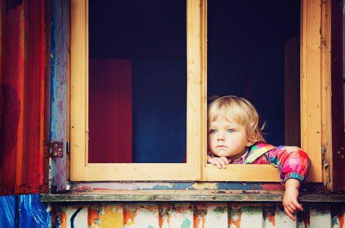 welke leeftijd kinderen alleen thuisblijven